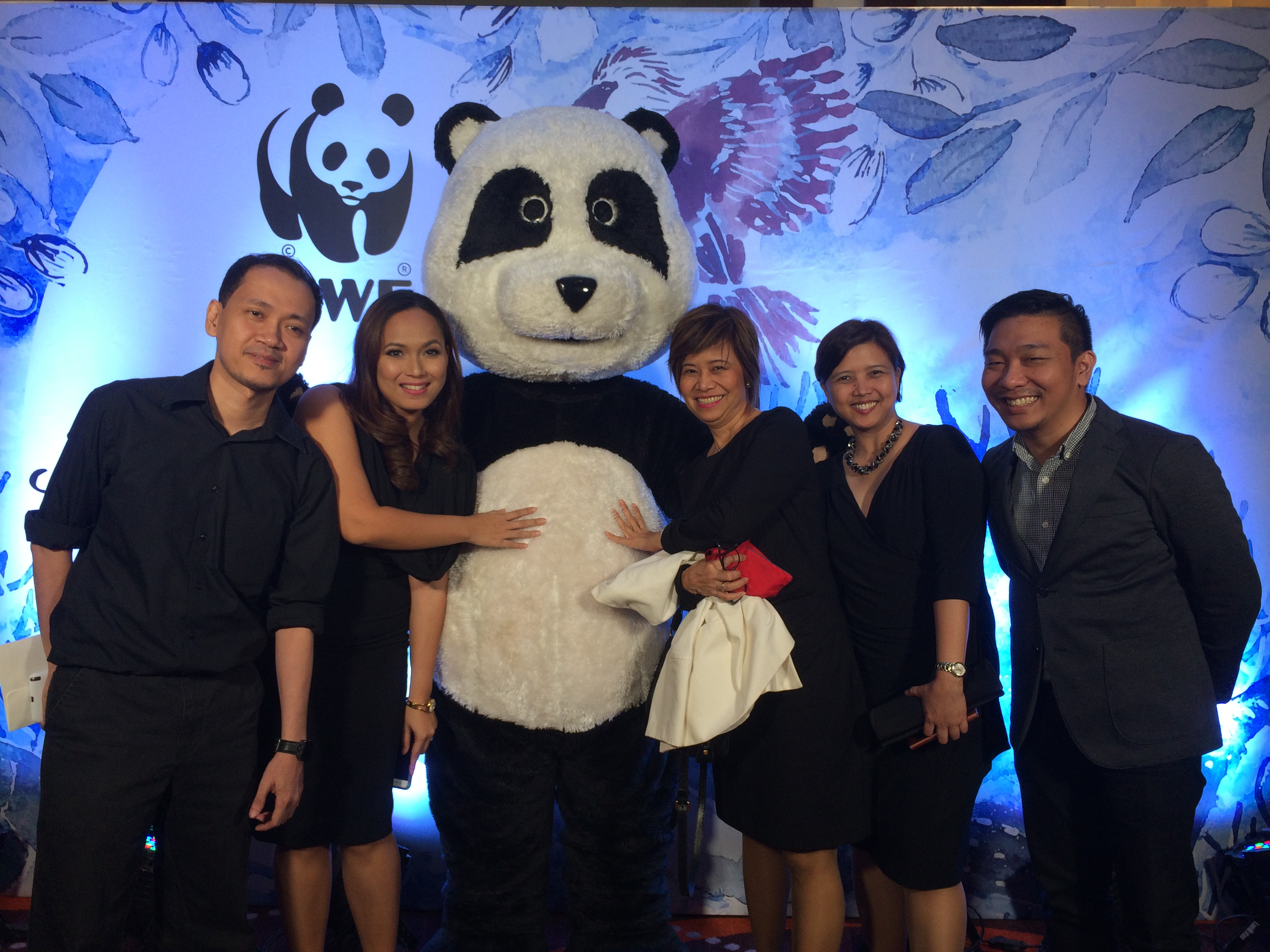 Avanza Team Members with WWF-Philippines's  Steph Panganiban