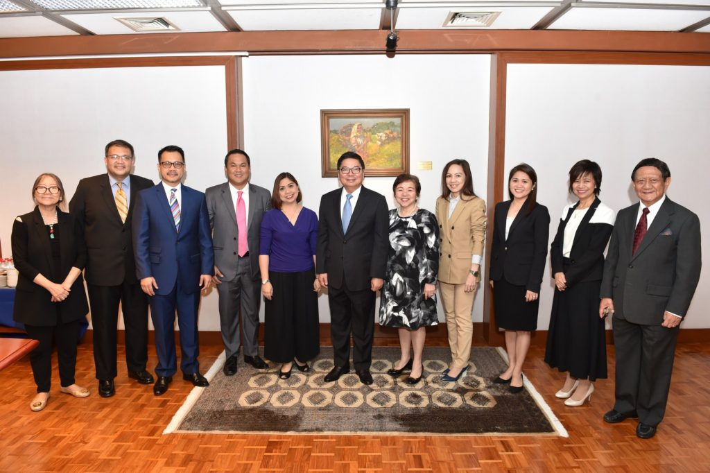 In photo: (from left to right) BSP Director for Corporate Affairs Fe M. Dela Cruz; Director for Membership Miguel Angelo C. Villareal (Philippine Veterans Bank); Director for Industry Relations & Banking Code and Financial Inclusions, Allan John M. Tumbaga (EastWest); BMAP Treasurer Emmanuel Mari K. Valdes (RCBC); BMAP President Mary Ann R. Ducanes (China Bank); BSP Gov. Amando M. Tetangco Jr.; BMAP Vice President, Belen C. Lim (Security Bank); BMAP Secretary, Tricia Marie C. Quiambao (BPI); Director for Programs and Ways & Means, Charina D. Balanquit (UCPB); Elections Committee Chairperson, Ma. Luz E. Javier (Avanza, Inc.) and Maximino Edralin, Jr. of the BSP.